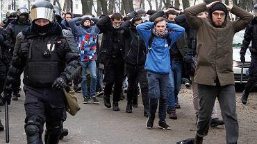 Rosja. Zdjęcie z protestu stało się symbolem. 'Czy tak chcecie żyć?'