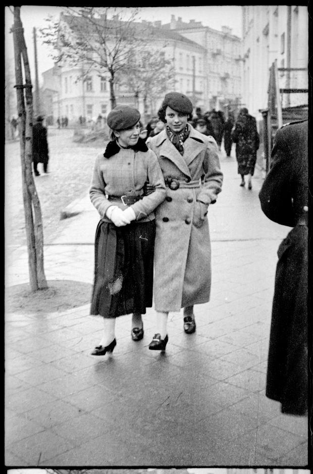 Zdjęcie numer 28 w galerii - Zdarzyło się... 1 listopada 1936 roku. Niepublikowane zdjęcia sprzed 81 lat