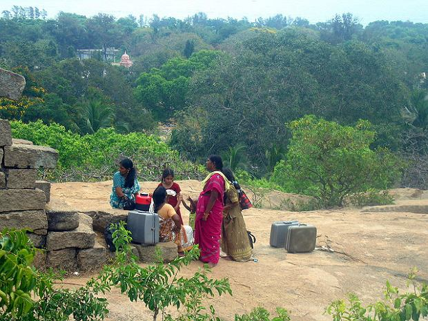 Mieszkanki Auroville, Indie