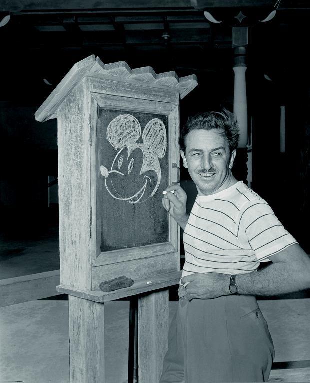Walt Disney był 59 razy nominowany do Oscara i zdobył 22 statuetki, ale na początku kariery, w wieku 22 lat, został wyrzucony z 'The Kansas City Star', bo był 'mało kreatywny', a jego pierwsza firma Laugh-o-gram Studios zbankrutowała.