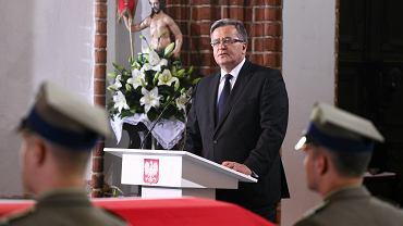 - To, co się ostatnio działo, zaczęło przekraczać granice gorliwej troski o Kościół i obróciło się przeciwko konkretnej osobie - właśnie prezydentowi Bronisławowi Komorowskiemu  (na zdjęciu) - mówi ks. Sowa