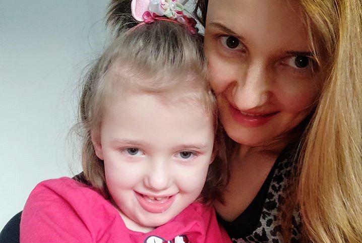 Mariola Lesiak-Bzdak z córeczką Emmą