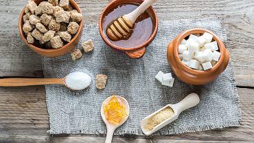 Ksylitol, stewia, syrop z agawy - 8 zamienników cukru. Jak  i do czego je wykorzystać?