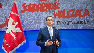 Morawiecki: Czuję się dzieckiem Solidarności Walczącej. Malutkim trybikiem, śrubeczką. Cześć i chwała bohaterom!