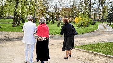 Podatek od emerytury. Jak obliczyć? Ile wynosi emerytura netto?