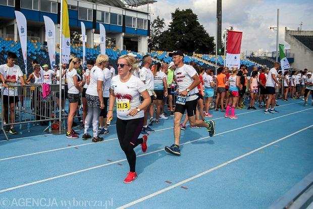 Zdjęcie numer 15 w galerii - PKO Bieg Charytatywny. Na Zawiszy pomagali biegając [ZDJĘCIA]
