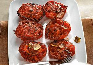 Pieczone pomidory z masłem ziołowym