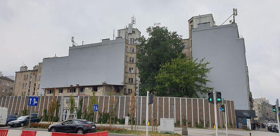 Murale przy Targowej 15 na Pradze-Północ zamalowane