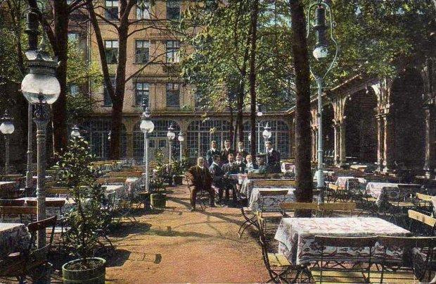 Zdjęcie numer 37 w galerii - Ogródki restauracyjne pierwsze tej wiosny i te przedwojenne [ARCHIWALNE ZDJĘCIA]
