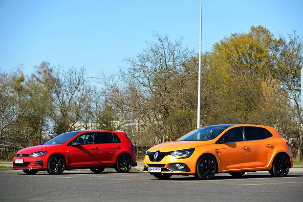 Opinie Moto.pl: VW Golf GTI TCR vs. Renault Megane RS - porównanie. Tak się powinno robić hot hatche!