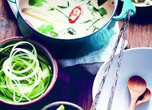 Tajska zupa kokosowa zmakaronem zcukinii - ugotuj
