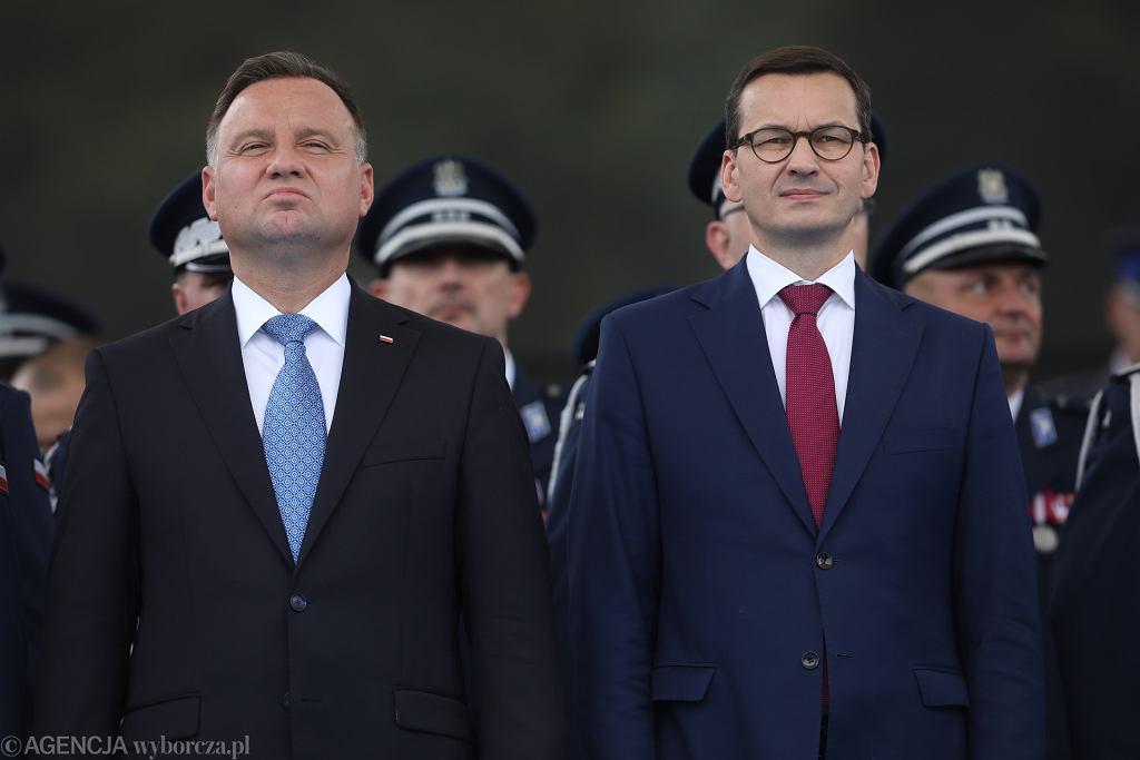 24.07.2019, Warszawa, Andrzej Duda i Mateusz Morawiecki na uroczystości 100. rocznicy powstania policji państwowej.