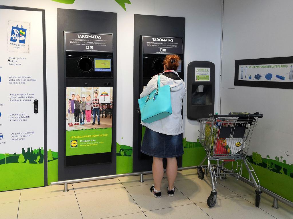 10 centów za każdą butelkę wrzuconą do automatu. Na Litwie to działa. Pora na Polskę