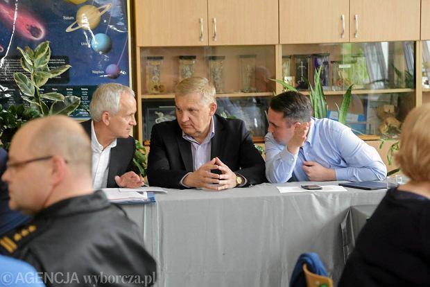 Konferencja prasowa w sztabie kryzysowym zwołana przez prezydenta Tadeusza Truskolaskiego