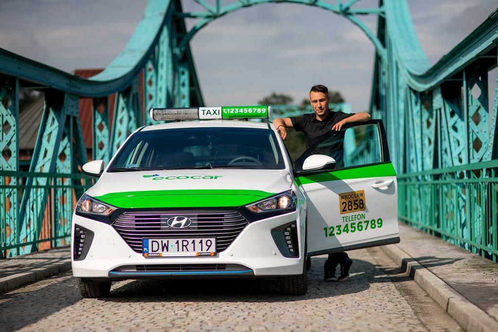 Hybrydowe taksówki Ecocar we Wrocławiu