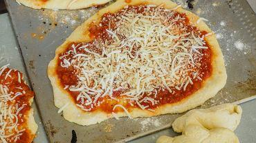 Polacy kochają włoską kuchnię. Najczęściej delektujemy się oczywiście pizzami w najróżniejszych odsłonach.