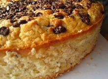 Białe ciasto fasolowe z wiórkami kokosowymi i czekoladą - ugotuj