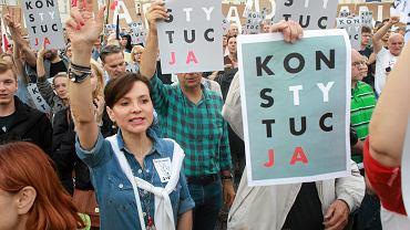 Demonstracja przeciwko ustawie o Sadzie Najwyższym w Warszawie
