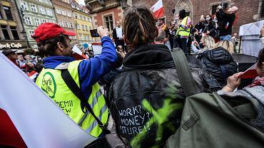 Manifestacja antycovidowców we Wrocławiu została rozwiązana