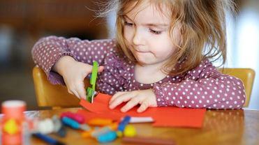 Do wzmocnienia umiejętności sensoryczno-motorycznych dzieci wystarczą proste zabawy