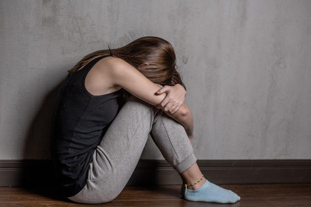 Ofiary pedofilii często się samookaleczają. Czują się współwinne, wstydzą się i nienawidzą siebie za to, co się stało
