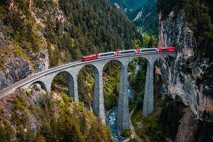 """Urlop w pociągu? Zobaczysz spektakularne mosty, wodospady i kaniony. """"Ta trasa jest naprawdę magiczna"""""""