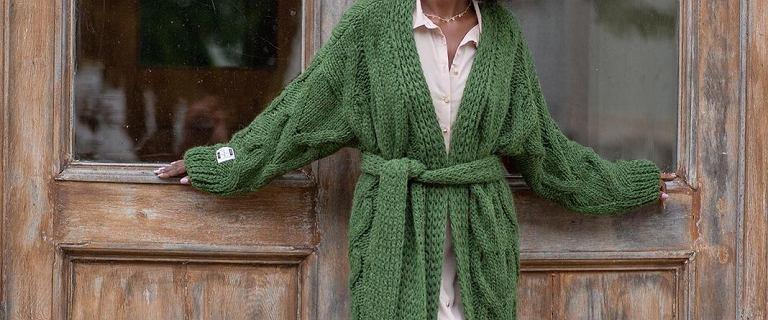 Modne kolory i grube sploty - te kardigany chcemy nosić tej jesieni. Modele polskich marki zachwycają