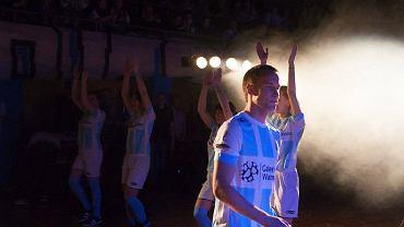 W hali OSiR odbyła się prezentacja Stomilu, który w rundzie wiosennej będzie walczył o utrzymanie w I lidze. Imprezą oprawą nie ustępowała tym przygotowanym dla zespołów z ekstraklasy