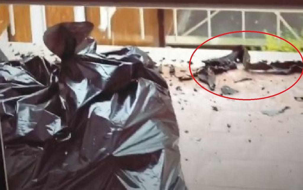 Szczątki po pożarze mieszkania sąsiadów Bartosza Kurka i Anny Grejman