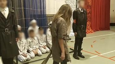 Spektakl 'Nie mogę cię zapomnieć' w szkole w Łabuniach