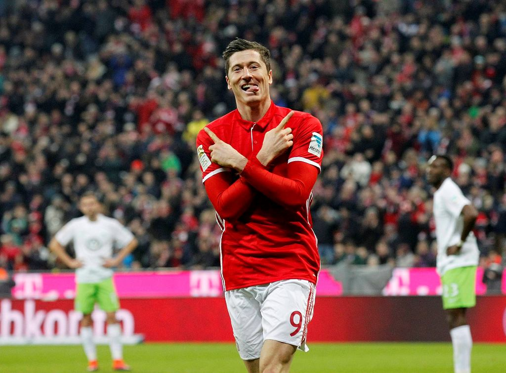 Robert Lewandowski (Bayern Monachium) w meczu z Wolfsburgiem, 10 grudnia, 2016 r.