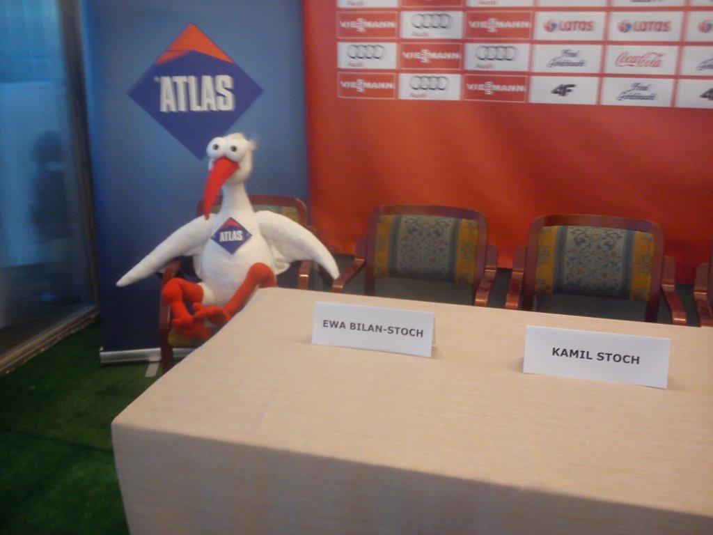 Sala konferencyjna przed ogłoszeniem sponsora Kamila Stocha