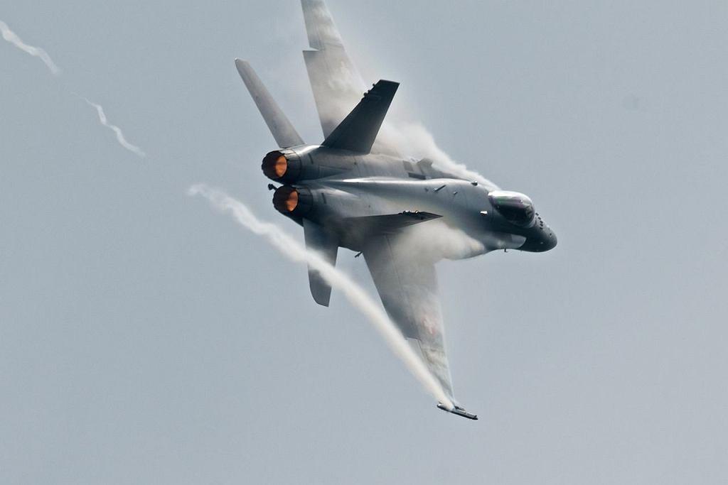 Szwajcarski myśliwiec F/A-18 Hornet