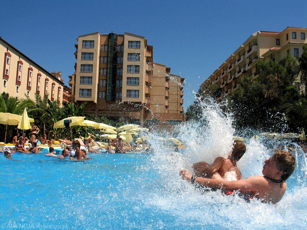 Hotel z basenem na Tureckiej Riwierze
