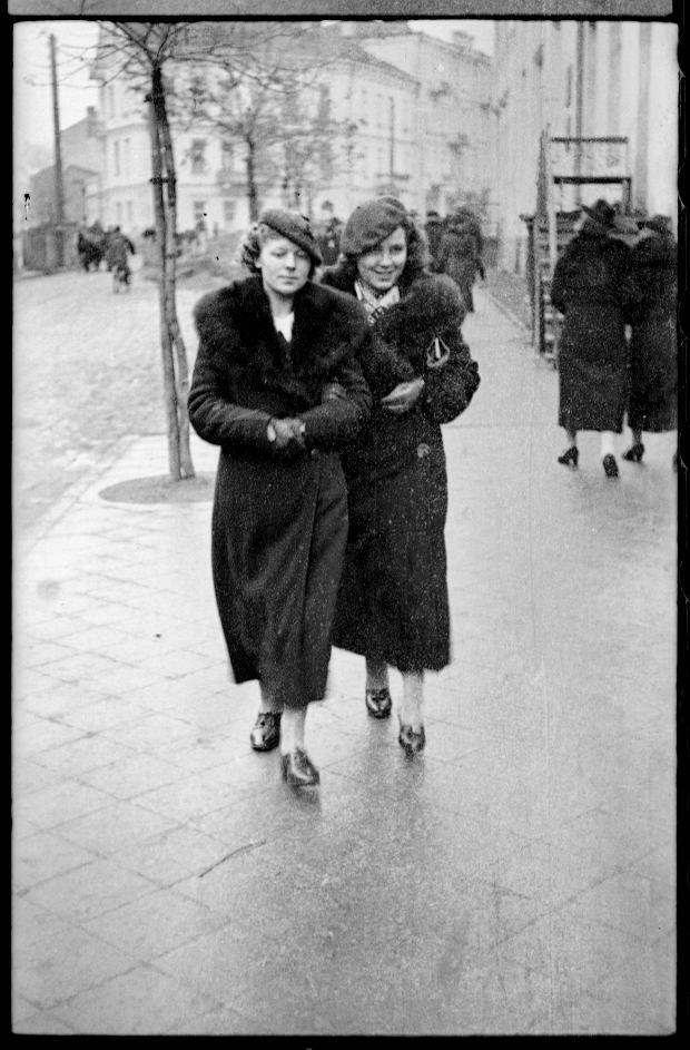Zdjęcie numer 27 w galerii - Zdarzyło się... 1 listopada 1936 roku. Niepublikowane zdjęcia sprzed 81 lat
