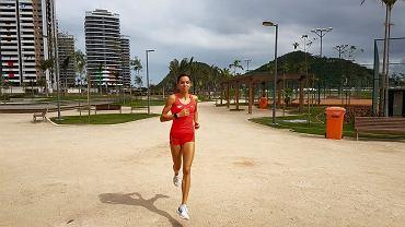 """W drugim tygodniu igrzysk będziemy się emocjonować występami lekkoatletów. Polacy są już w Brazylii. Jak spędzają czas?   """"Jeszcze 10 dni do startu, także zasuwam! Pozdrawiam z wioski olimpijskiej"""" - napisała Joanna Jóźwik, która pobiegnie na 800 m"""