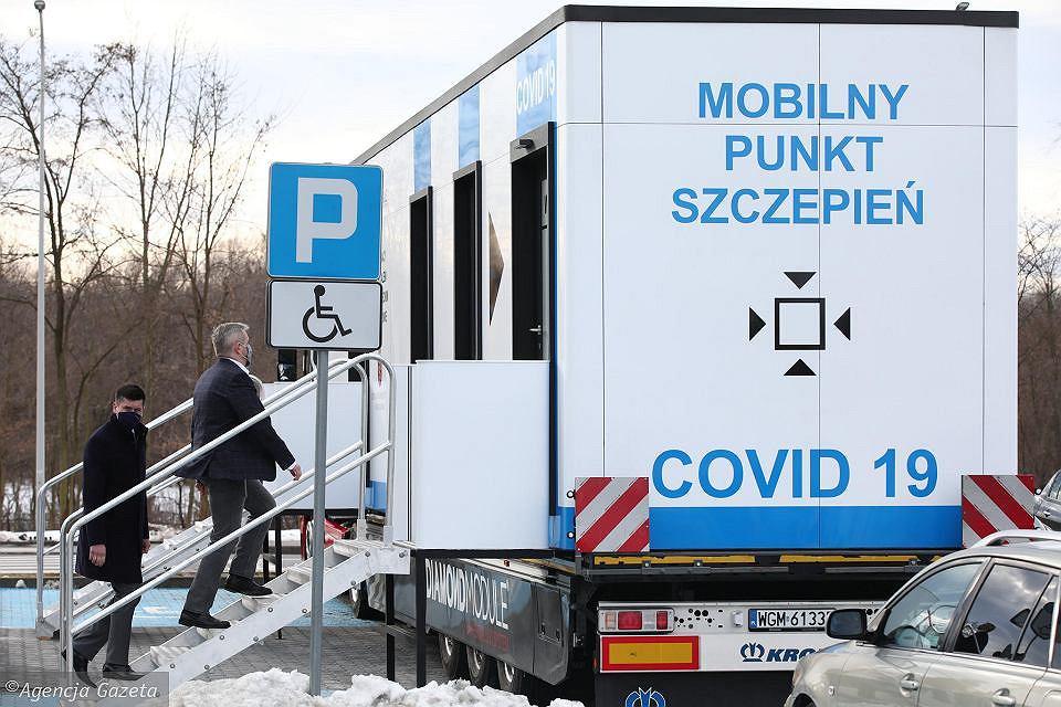 Mobilny Punkt Szczepień działa już w Katowicach (zdjęcie ilustracyjne)