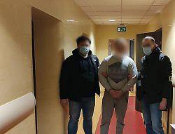 Poznań. 25-latek zatrzymany za sprzedaż szczepionek na COVID-19. Oszukał blisko 80 osób
