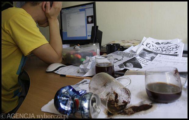 Sprowadzanie podwładnego do roli nic niewartego śmiecia nie poprawia jego kreatywności. fot. DAWID CHALIMONIUK/AG