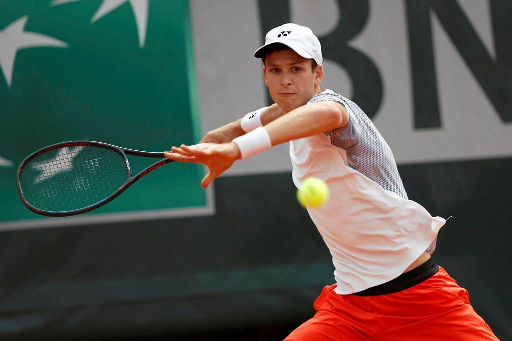 Roland Garros 2019. Hubert Hurkacz w meczu z Novakiem Djokoviciem