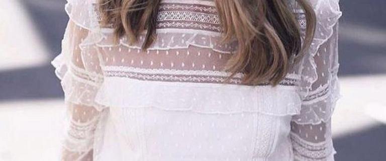 Białe bluzki na wiosnę i lato. Modele dla romantyczek i wielbicielek nowoczesnej elegancji. To must have w każdej szafie