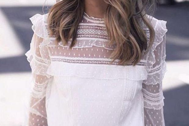 Biała bluzka sprawdzi się w każdej sytuacji! Szczególnie na wiosnę i lato stworzycie przepiękne stylizacje z białą bluzką w roli głównej. Zobaczcie modele, które dla was przygotowałyśmy, a może coś wpadnie wam w oko!