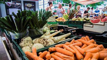 Co jeść, by wspomóc odporność w czasie pandemii koronawirusa? Najbardziej wskazane są tu owoce i warzywa zawierające witaminę C i betakaroten
