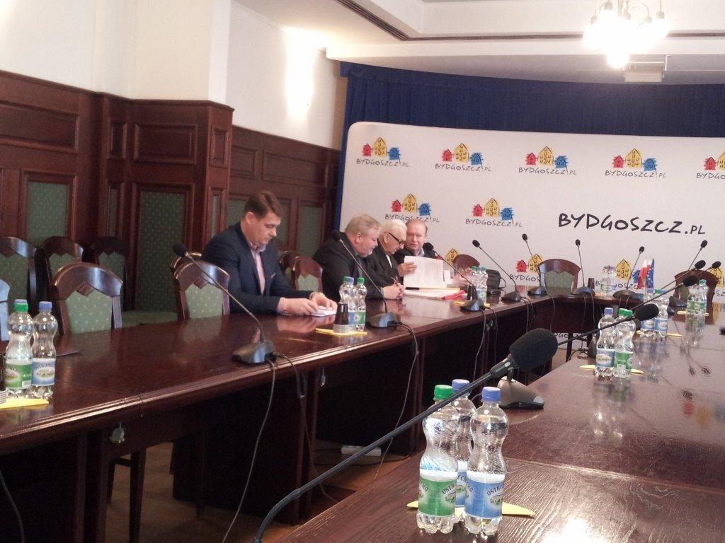Władysław Gollob i Jerzy Kanclerz na posiedzeniu komisji