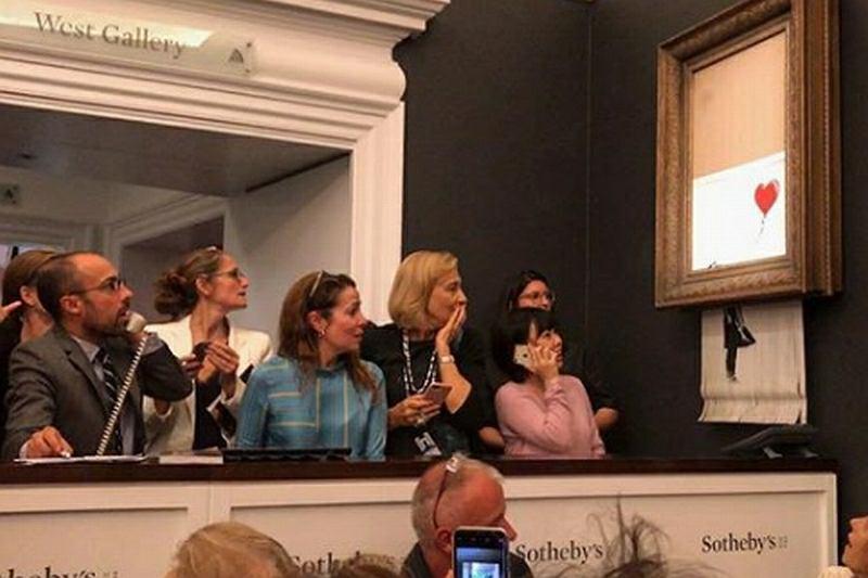 Aukcja 'Dziewczynki z balonikiem'. Obraz Banksy'ego zniszczony po licytacji