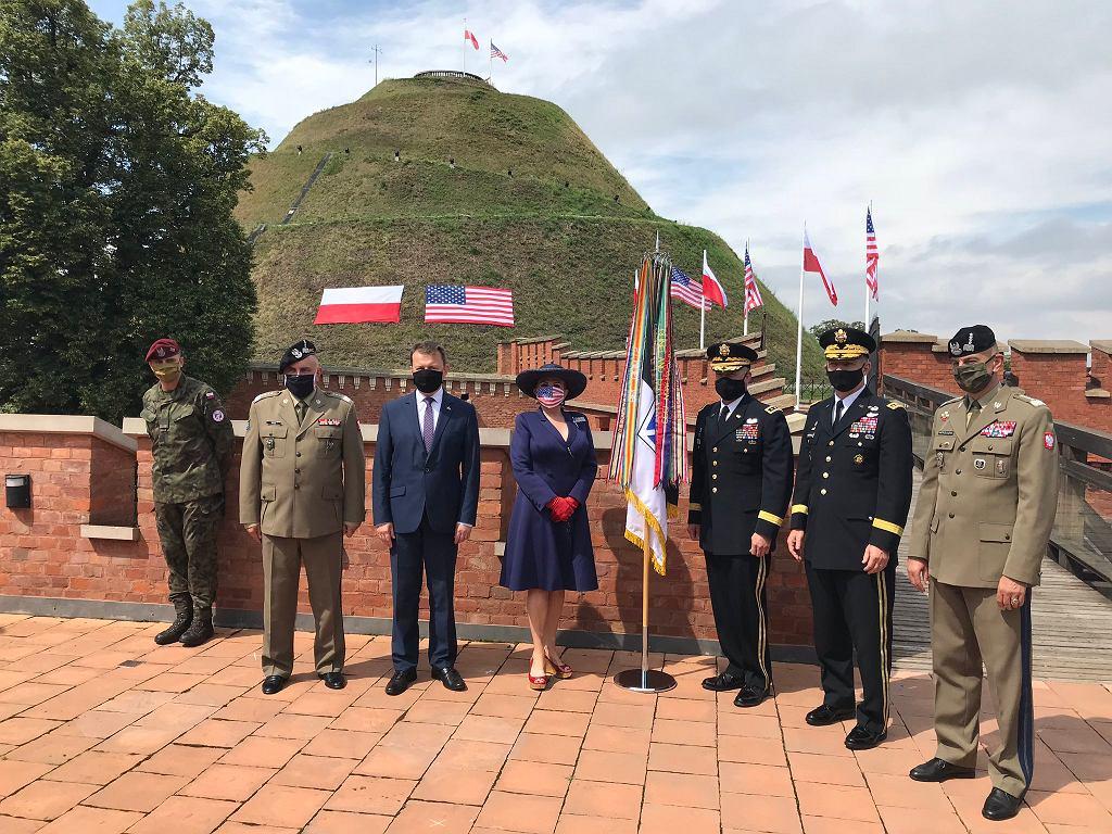 Minister obrony narodowej Mariusz Błaszczak i ambasador USA w Polsce Georgette Mosbacher