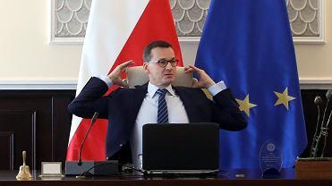 Premier rządu PiS Mateusz Morawiecki podczas posiedzenia Rady Ministrów. Warszawa, KPRM, 9 października 2018