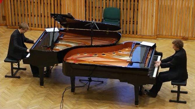 Uczestnicy VI Międzynarodowego Konkursu Duetów Fortepianowych w Białymstoku
