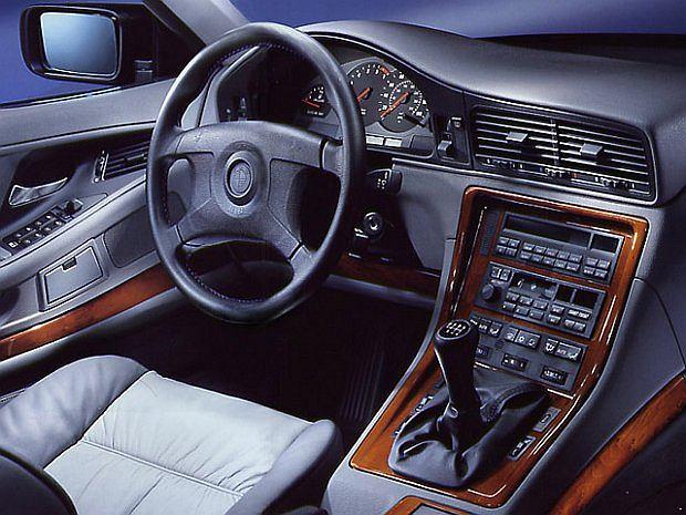 850 CSi był oferowany wyłącznie z manualną przekładnią