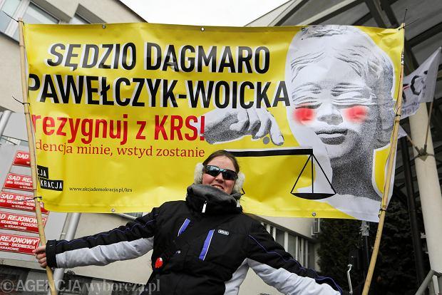Protest przed sądem.